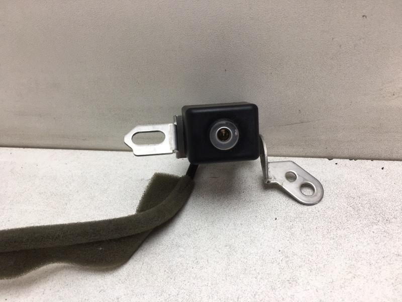 Камера заднего вида Nissan Armada 5.6 2009 задняя (б/у)