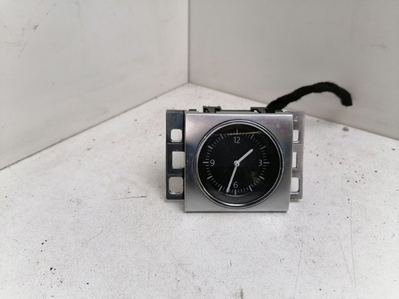 Часы Volkswagen Passat B7 2.0 TDI 2011 (б/у)