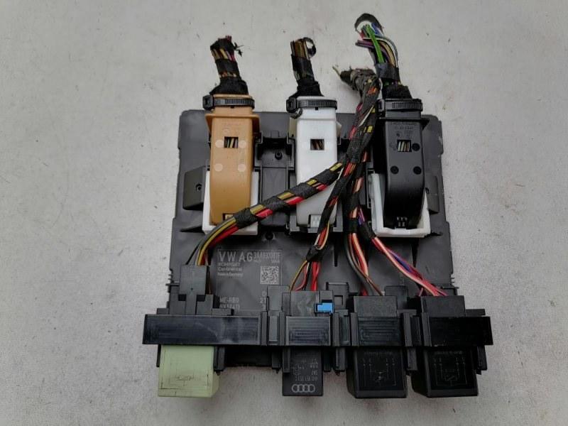 Блок управления бортовой сети Volkswagen Passat B7 1.6 TDI 2012 (б/у)