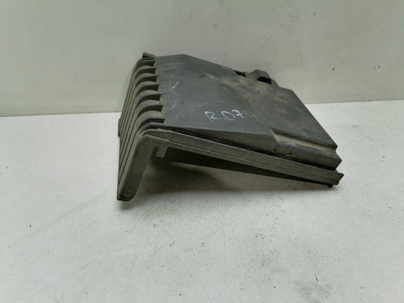Крышка блока предохранителей Volkswagen Passat B7 1.6 TDI 2012 (б/у)