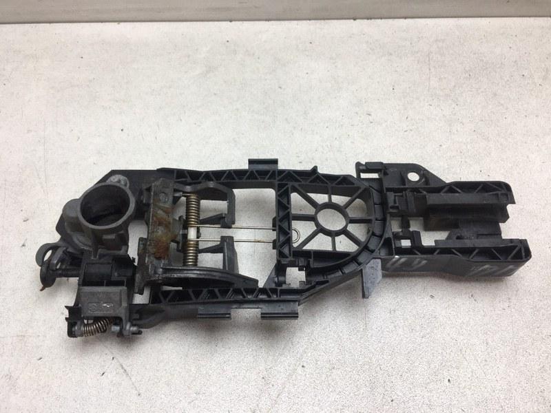 Кронштейн ручки Volkswagen Passat B7 1.6 TDI 2012 передний правый (б/у)
