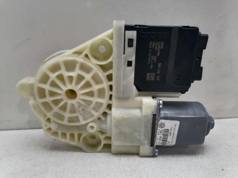 Мотор стеклоподъемника Volkswagen Passat B7 2.0 TDI задний левый (б/у)