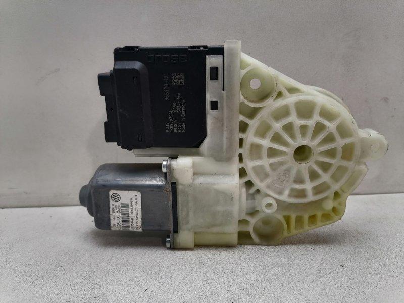 Мотор стеклоподъемника Volkswagen Passat B7 2.0 TDI задний правый (б/у)