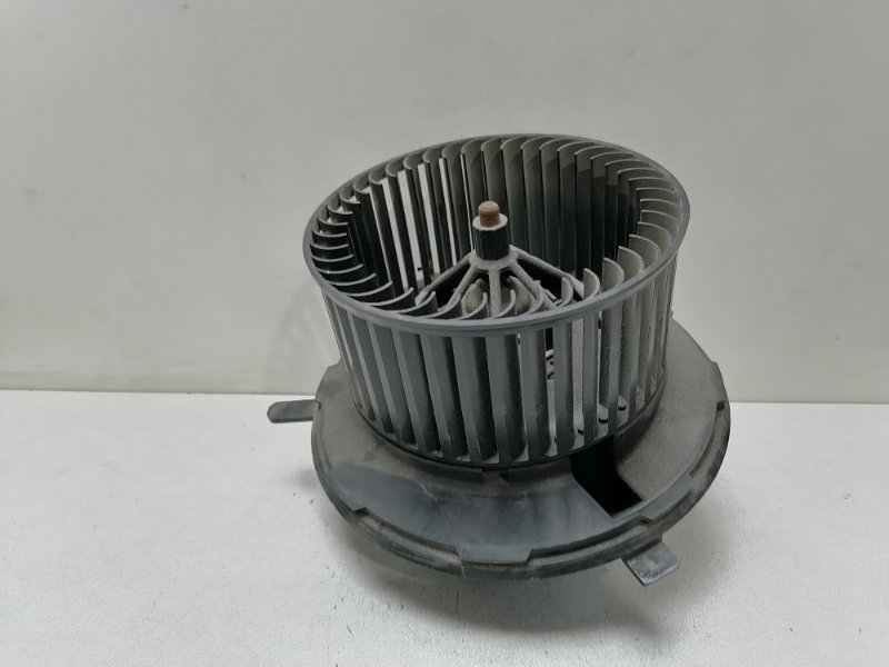 Моторчик печки (вентилятор) Audi A5 2.0 TDI 2009 (б/у)