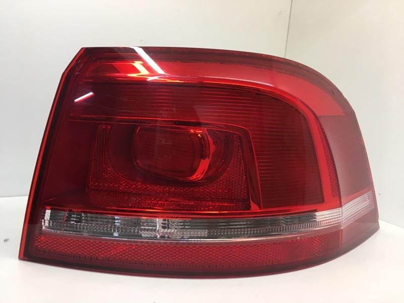 Фонарь задний Volkswagen Passat B7 1.6 TDI 2012 задний правый (б/у)