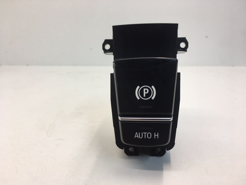 Кнопка стояночного тормоза Bmw F10 2.0 D 2013 (б/у)