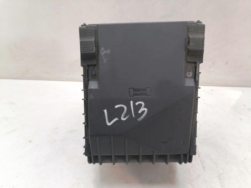 Блок предохранителей Volkswagen Passat B7 1.6 TDI 2012 (б/у)
