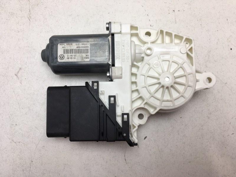 Мотор стеклоподъемника Volkswagen Tiguan 2.0 TDI 2012 задний правый (б/у)