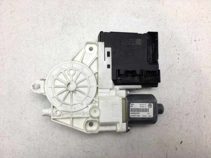 Мотор стеклоподъемника Volkswagen Tiguan 2.0 TDI 2012 передний левый (б/у)