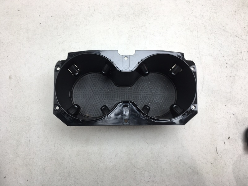 Подстаканник Volkswagen Touareg 2 Nf 3.0 TDI 2017 (б/у)