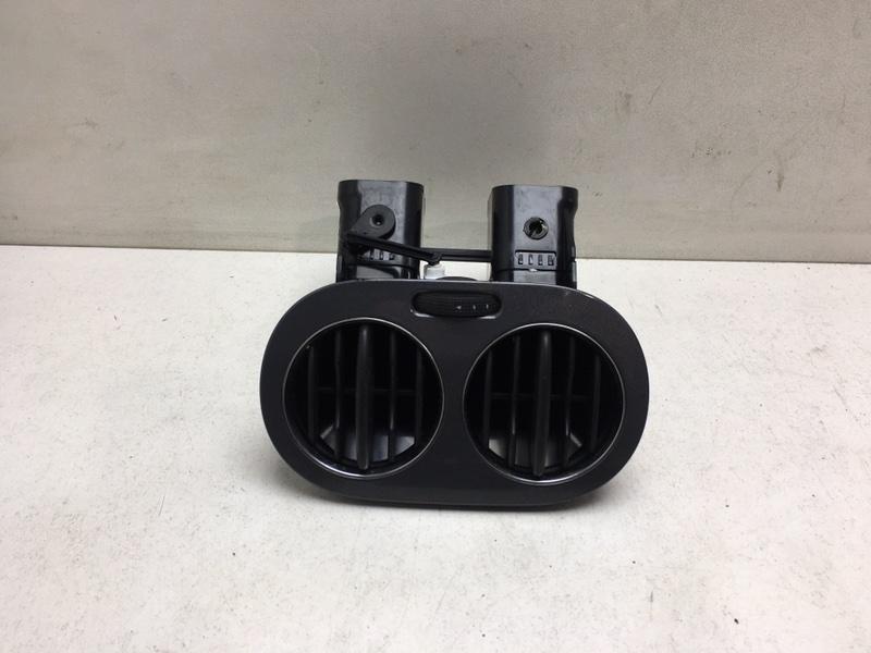 Дефлектор воздушный Volkswagen Tiguan 2.0 TDI 2012 задний (б/у)