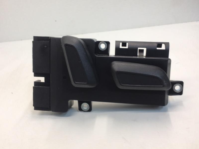Блок управления сиденьем Volkswagen Tiguan 2.0 TDI 2012 передний правый (б/у)
