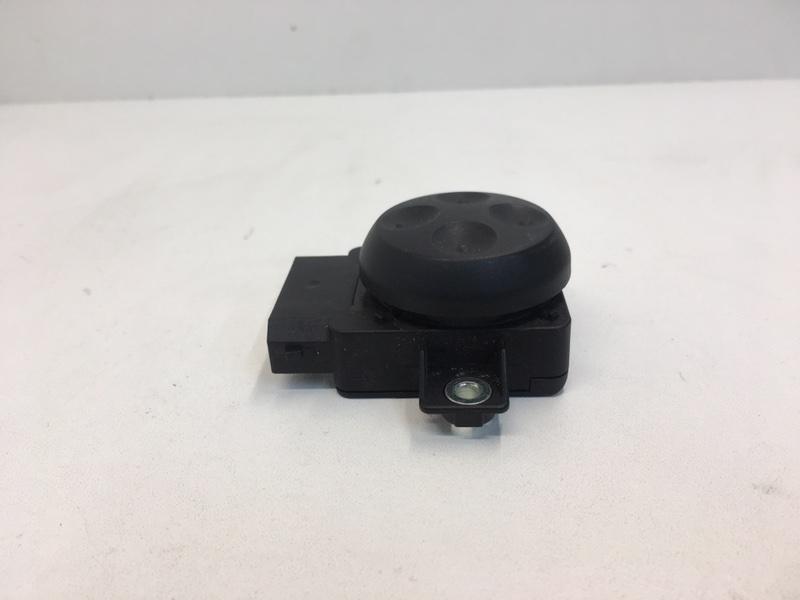 Кнопка регулировки сиденья Volkswagen Tiguan 2.0 TDI 2012 передняя (б/у)