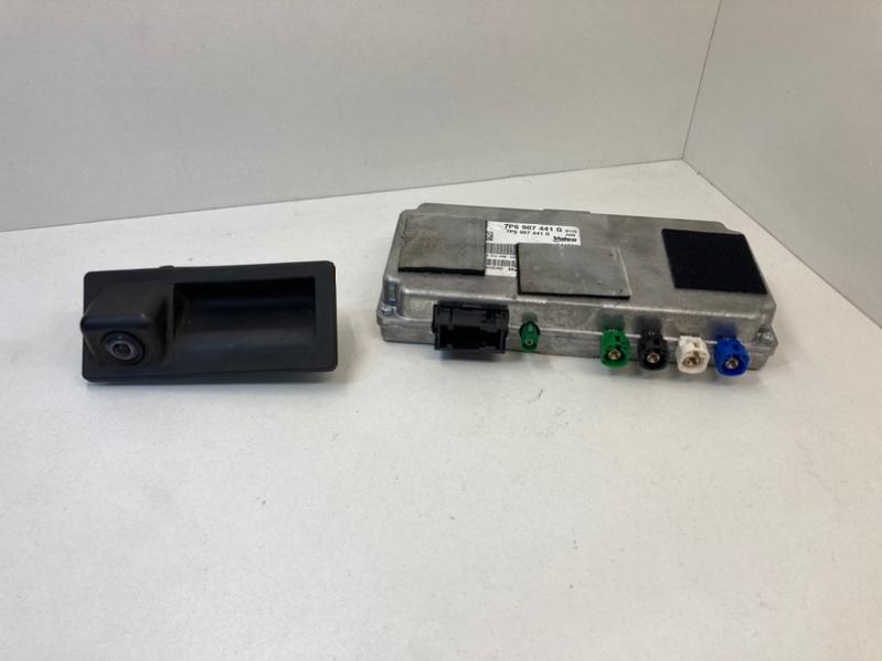 Камера заднего вида с блоком траектории Volkswagen Touareg 2 Nf 3.0 TDI 2017 задняя (б/у)