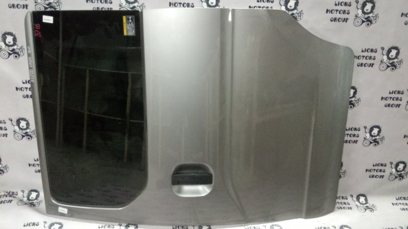 дверь NISSAN NV200 куз. VM20 R R
