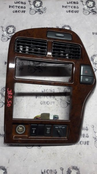 Консоль магнитофона Nissan Terrano JRR50 QD32 ETI (б/у)