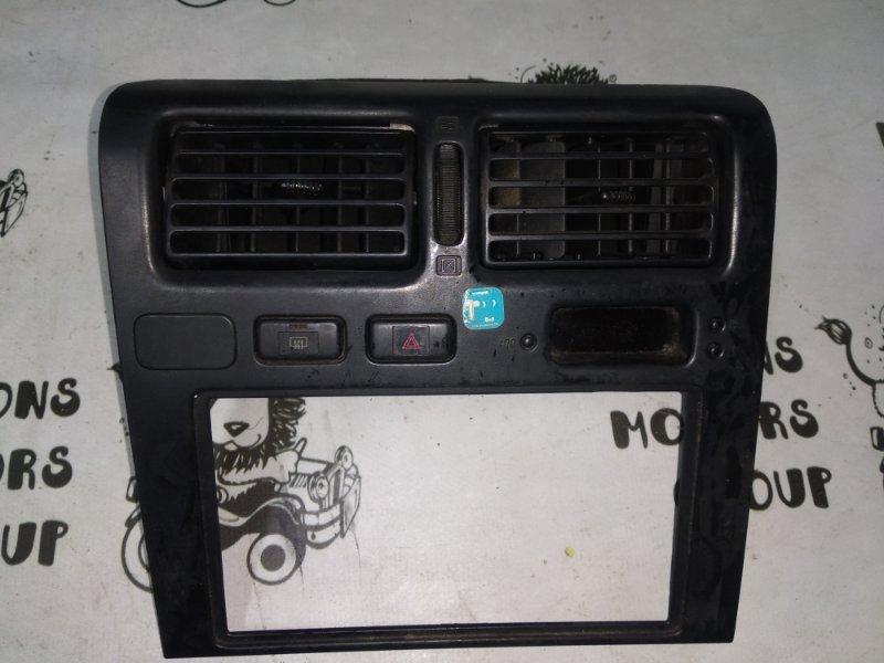 Консоль магнитофона Toyota Corona AT190 (б/у)