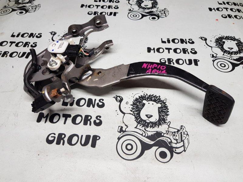 Педаль тормоза Toyota Aqua NHP10 (б/у)