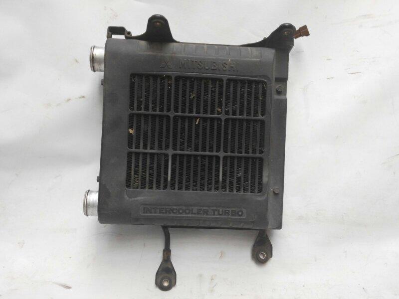 Радиатор интеркулера Mitsubishi Delica PE8W 4M40 1998 (б/у)