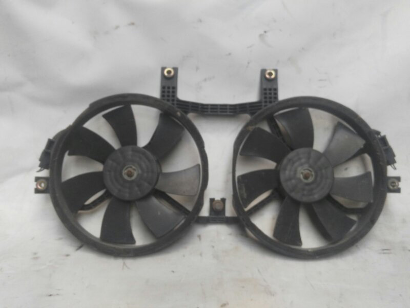 Вентилятор радиатора кондиционера Mitsubishi Delica PE8W 4M40 1998 передний (б/у)