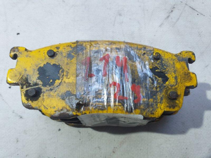 Тормозные колодки Mazda Familia BJ5P переднее (б/у)