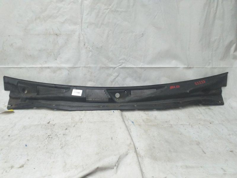Решетка под лобовое стекло Nissan Terrano JRR50 (б/у)