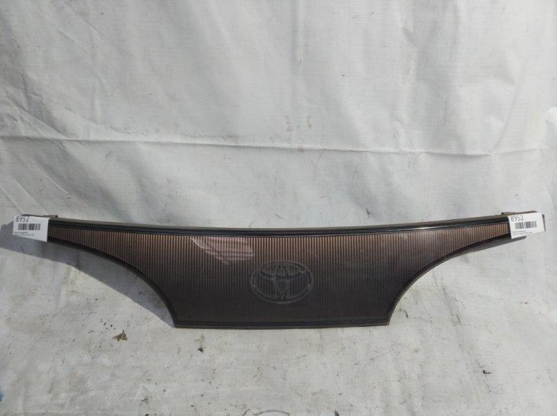 Решетка радиатора Toyota Liteace CR30 1995 (б/у)