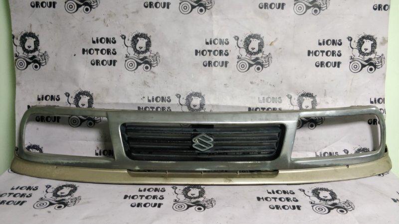 Решетка радиатора Suzuki Escudo TD01W G16A 1995 (б/у)