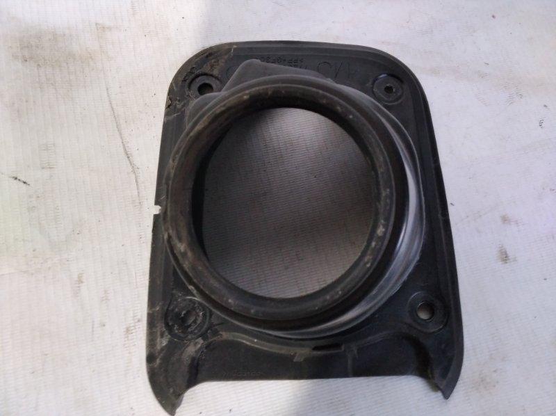 Защита горловины бензобака Toyota Crown Majesta UZS207 3UZ-FE 2009.03 (б/у)