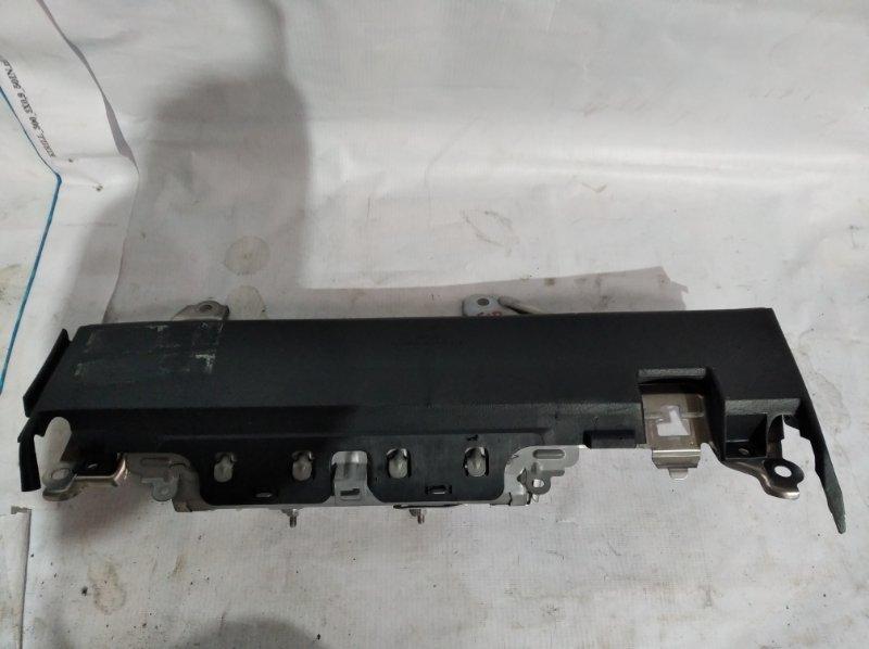 Airbag водительский Toyota Crown Majesta UZS207 3UZ-FE 2009.03 правый (б/у)