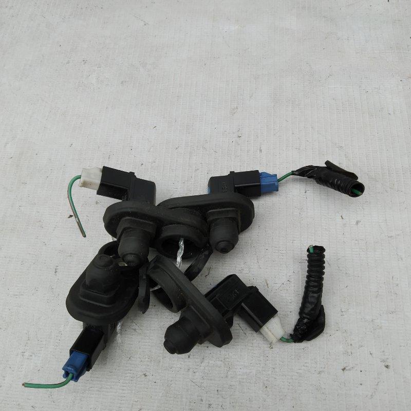 Выключатель концевой Honda Crv RD5 K20A (б/у)