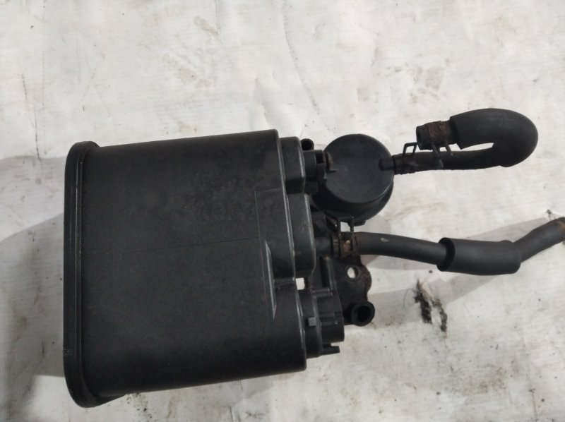 Фильтр паров топлива Toyota Crown Majesta UZS207 3UZ-FE 2009.03 (б/у)