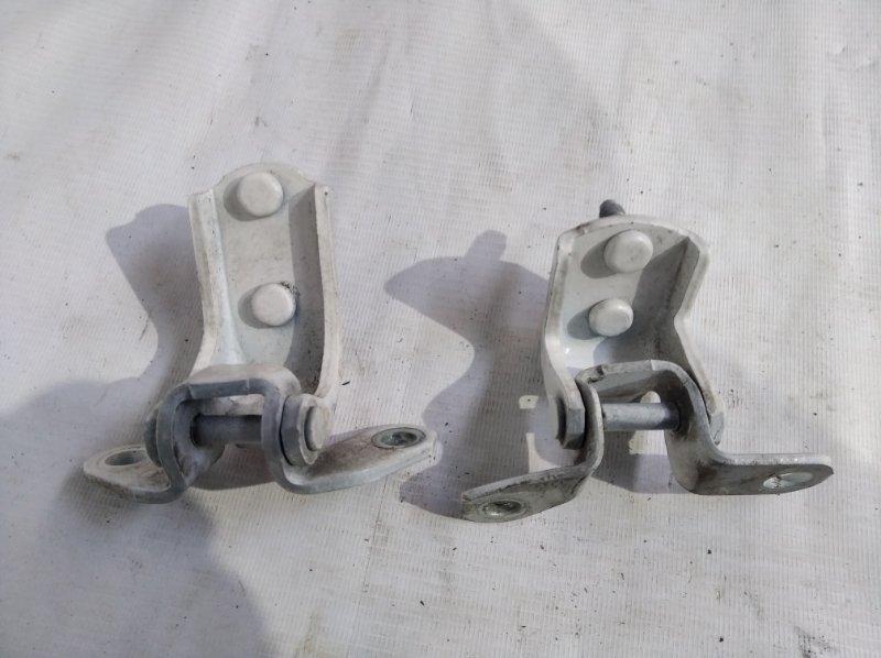 Петли на дверь Toyota Hilux Surf RZN185 3RZ-FE 2001.07 задние правые (б/у)