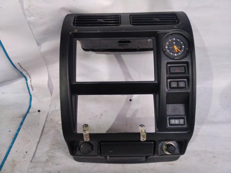 Консоль магнитофона Toyota Land Cruiser Prado KZJ95 1KZ 1997 (б/у)