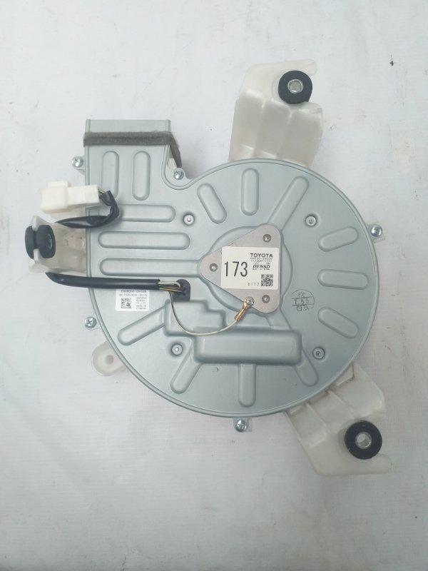 Мотор охлаждения батареи Toyota Sai AZK10 2AZ-FXE 2011.07 (б/у)
