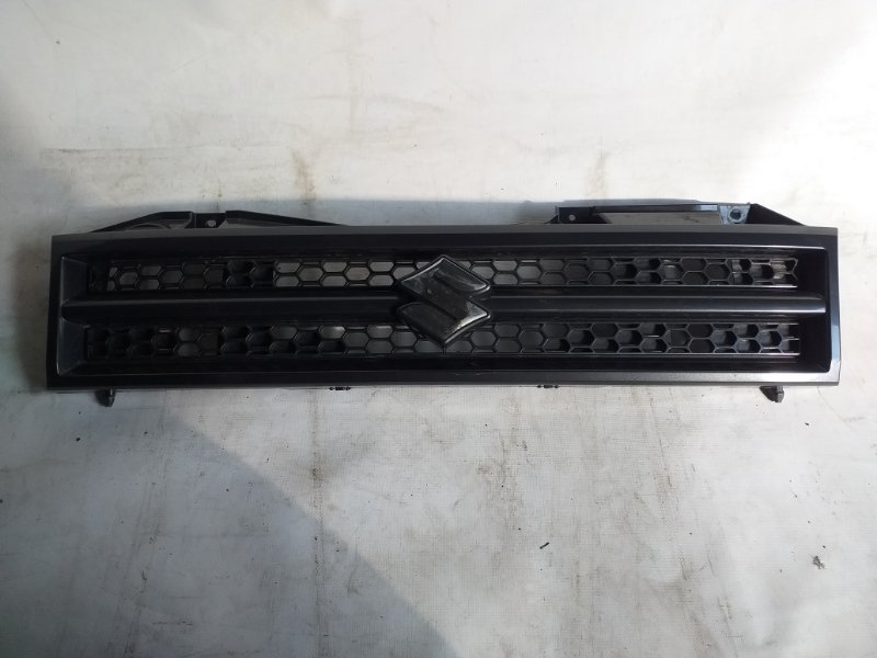 Решетка радиатора Suzuki Jimny JB23 (б/у)