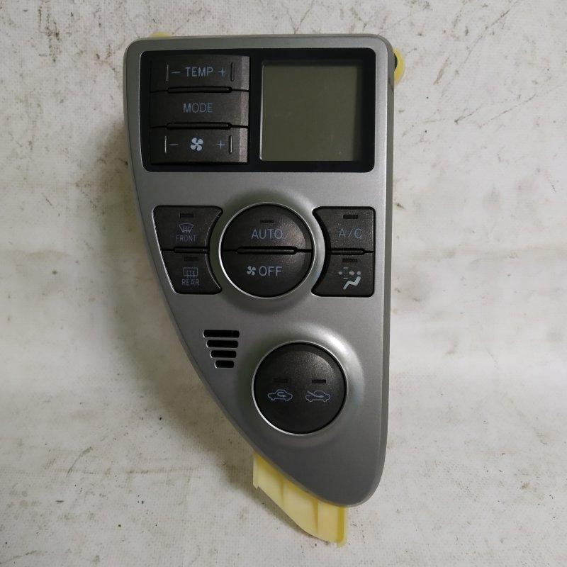 Блок управления климат-контролем Toyota Ractis NCP105 1NZ-FE 2006.11 (б/у)