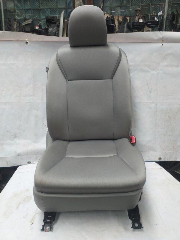 Сидение Toyota Sai AZK10 2AZ-FXE 2011.07 переднее правое (б/у)