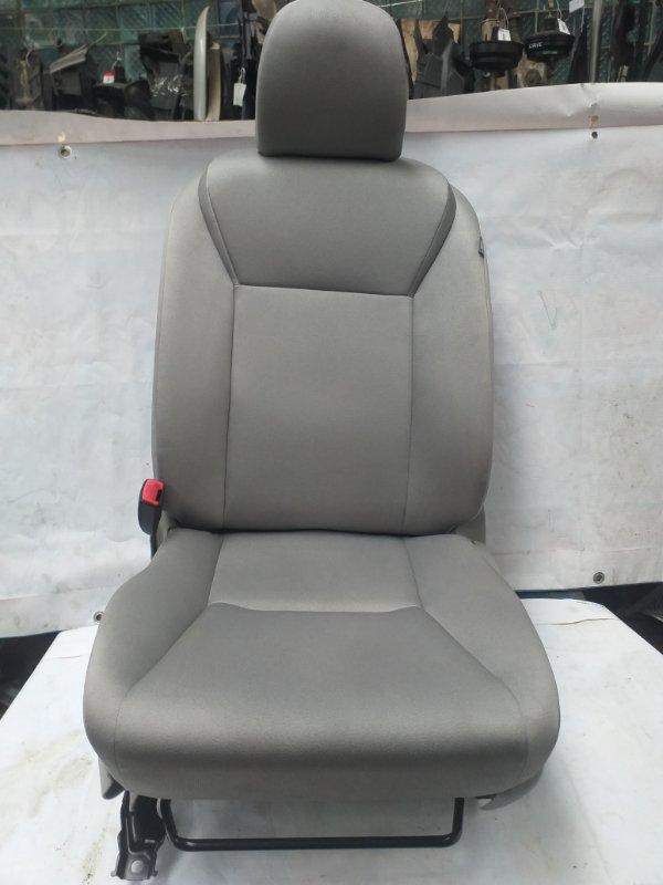 Сидение Toyota Sai AZK10 2AZ-FXE 2011.07 переднее левое (б/у)