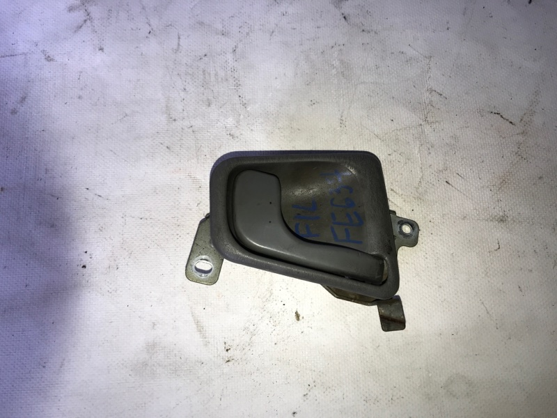 Ручка двери внутренняя Mitsubishi Canter FE637E передняя правая (б/у)