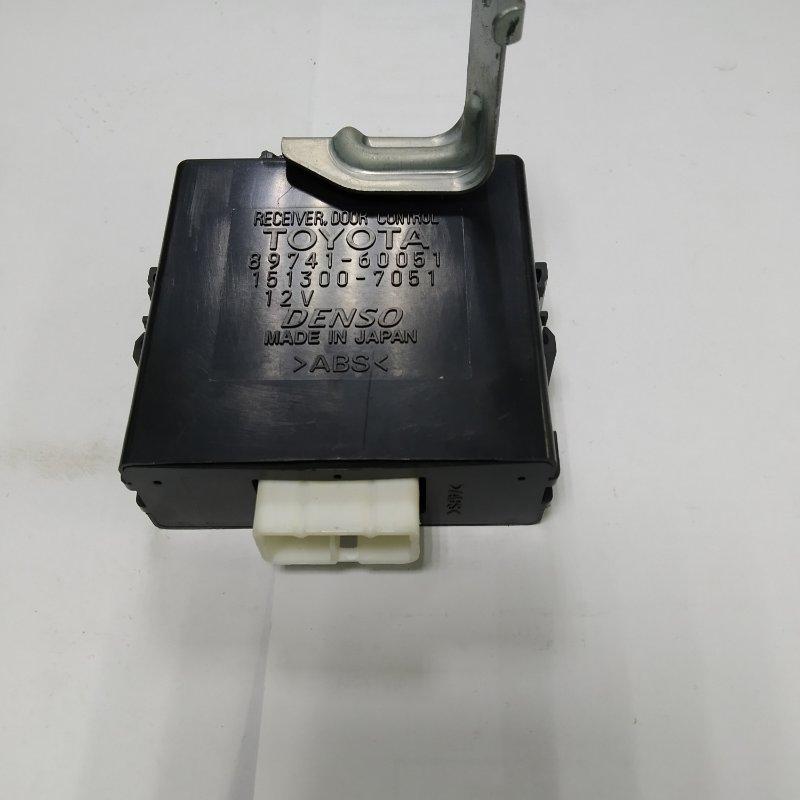Блок управления дверьми Toyota Land Cruiser UZJ100 2UZ-FE 2000.11 (б/у)