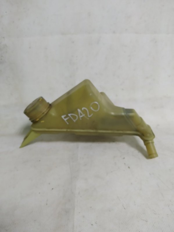 Бачок гидроусилителя Mitsubishi Fuso FDA20 4P10F (б/у)