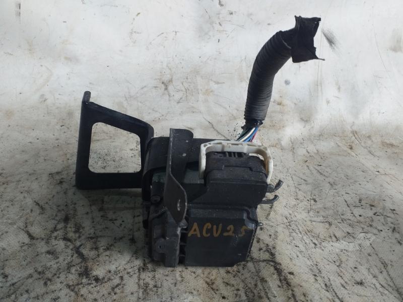 Блок abs Toyota Kluger ACU25 2AZ-FE (б/у)