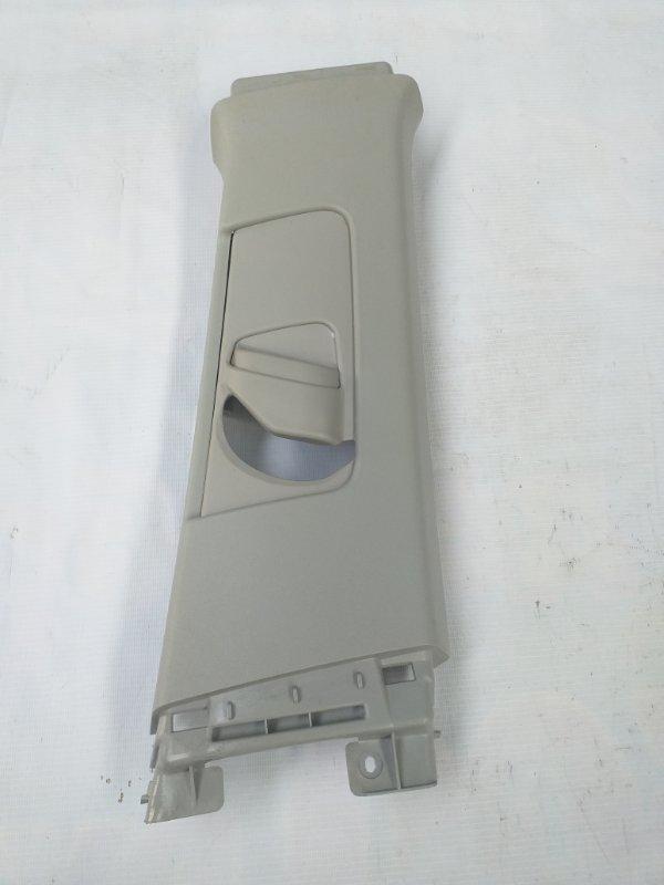Накладка на стойку кузова Toyota Prius ZVW30 2ZR-FXE 2012.07 правая (б/у)