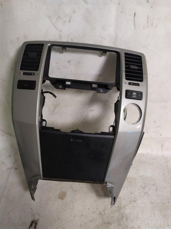 Консоль магнитофона Toyota Surf TRN215 (б/у)