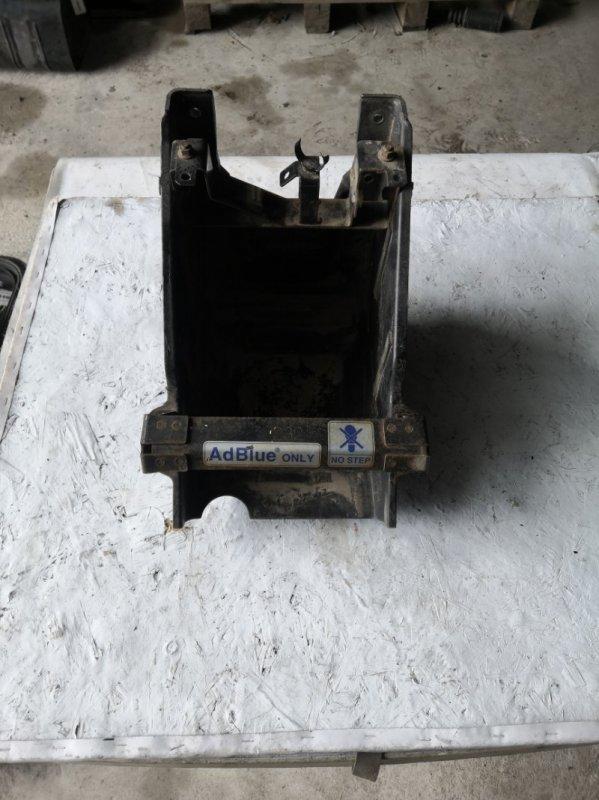 Крепление бака Mitsubishi Fuso FDA20 4P10F (б/у)