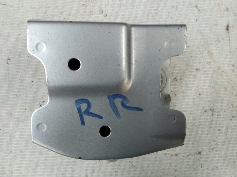 Жесткость бампера Toyota Sai AZK10 2AZ-FXE 2011.07 задний правый (б/у)