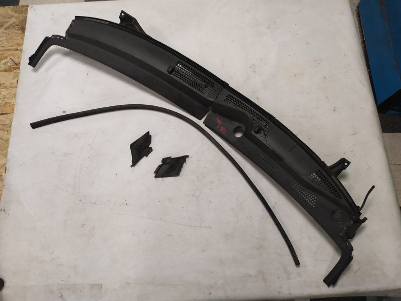 Решетка под лобовое стекло Honda Fit GD1 (б/у)