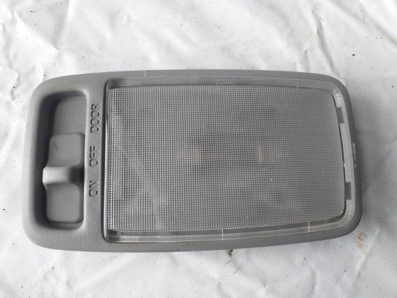 Светильник салона Toyota Kluger MCU25 (б/у)