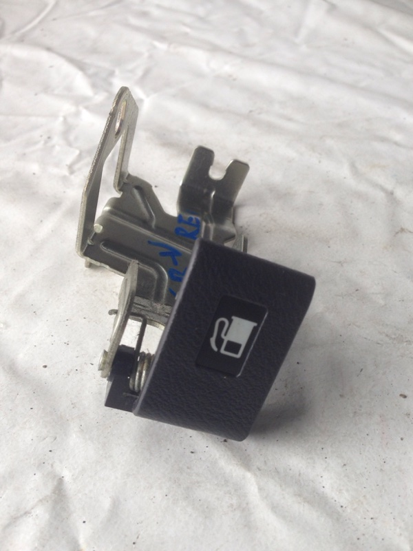 Ручка открывания бензобака Honda Cr-V RE4 (б/у)